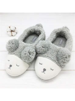 "Slippers ""Bears"" with a backdrop Halluci"