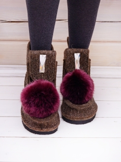 Boots with eco-pompon and decor Valen-ki