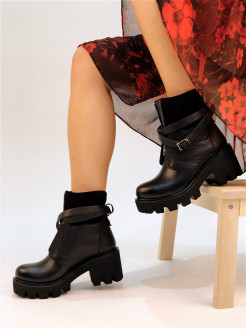 Ankle boots DECALLI